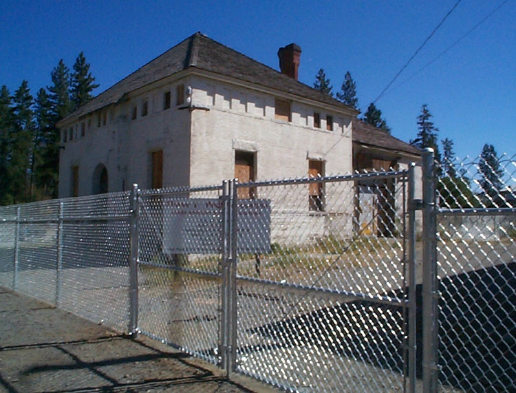 double drive commercial gate old jail in the town of rathdrum idaho after many