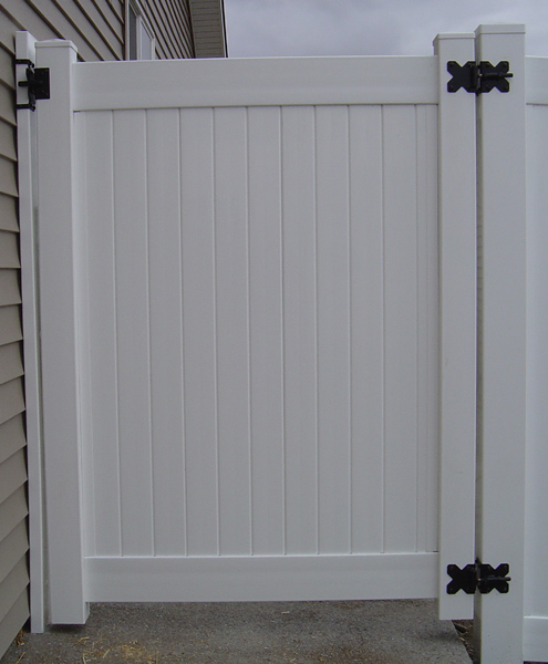 ... White Privacy Vinyl Gate In Post Falls Idaho